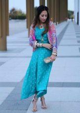 Бирюзовое платье в сочетание с розовым