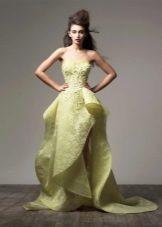 Асимметричное вечернее платье в пол