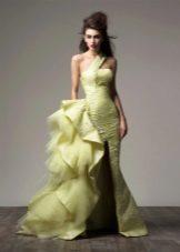 Асимметричное вечернее платье в пол зеленое