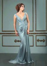 Греческое вечернее платье с глубоким декольте