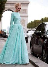 Пышное вечернее платье бирюзовое