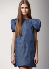 Джинсовое платье с пышными рукавами