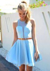 Ярко-голубое платье