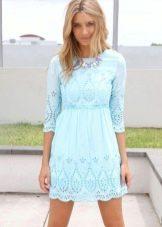 Голубое платье с перфорацией