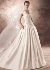 Свадебное платье от Avenue Diagonal с кружевным верхом