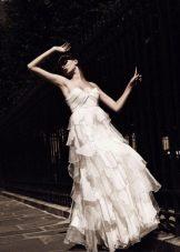 Свадебное платье от Уго Зальди с многослойной юбкой