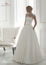 Свадебное платье из коллекции Universe от Lady White с кружевом