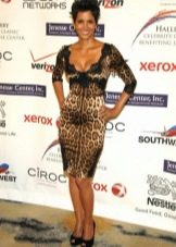 Платье средней длины с леопардовым принтом