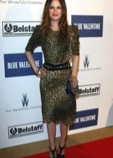 Леопардовое платье прямого кроя длины миди