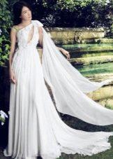 Свадебное платье а-силуэта на одно плечо