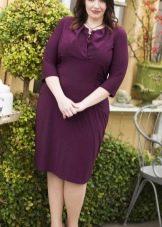 Баклажановое платье средней длины для пышных дам