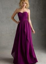 Платье цвета фуксии с глубоким оттенком