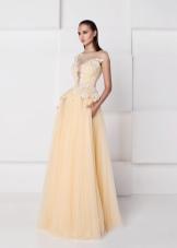 Платье из шифона а-силуэта бежевое