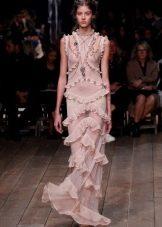 Прозрачное розовое платье из шифона