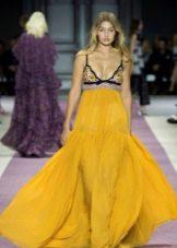 Шифоновое платье а-силуэта желтое