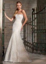 Свадебное платье с розами