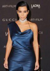 Атласное темно-синее платье