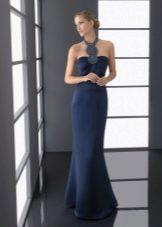 Длинное темно-синее платье
