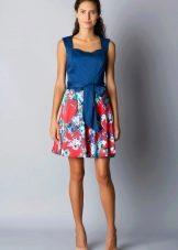Сине-красное платье с белым