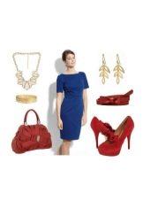 Красные аксессуары к темно-синему платью