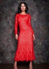 Красное ажурное вязаное платье
