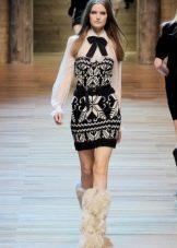 Вязаное платье с орнаментом с подиума