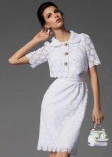 Ажурное белое вязаное платье