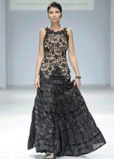 Пышное черное платье с вязанным лифом
