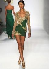 Зеленое платье в сочетании с золотым цветом