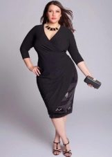 Черное платье с запахом для полных женщин