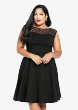 Черное платье-шифт для полных девушек