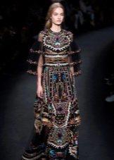 Цветное платье с прозрачным пышным рукавом