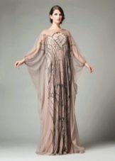 Цветное платье с рукавом летучая мышь