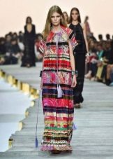 Платье с этническими мотивами