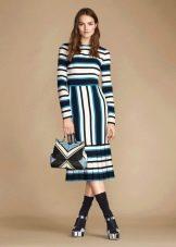 Закрытое цветное платье миди