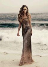 Длинное красивое коричневое платье