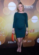 Зеленое платье средней длины для беременных