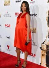 Оранжевое ассиметричное платье для беременных
