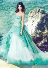 Мини платье цвета морской волны в сочетание с белыми кружевными вставками
