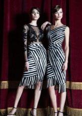 Платья с диагональными полосами
