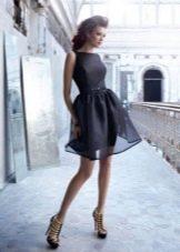 Короткое платье с юбкой из органзы