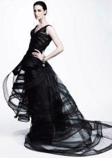 Черное платье из органзы короткое спереди длинной сзади