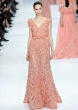Персиковое платье с бисером