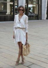 Белое платье сафари для свидания