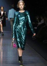 Закрытое платье в стиле диско