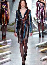 Платье в стиле диско с рукавами