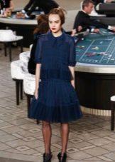 Синее платье от Шанель