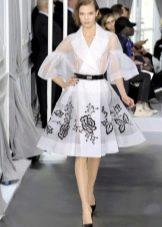 Платье с вышивкой из органзы