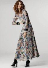 Офисное платье в цветочек с длинным рукавом