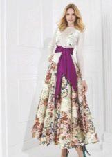 Платье с цветочным принтом на юбке с длинным рукавом